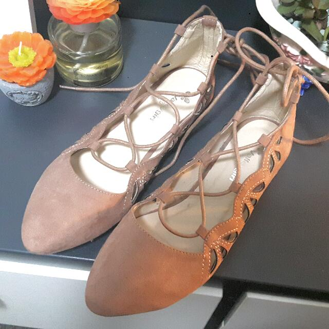 Nude Pink Valleygirl Closed Toe Laced Flats