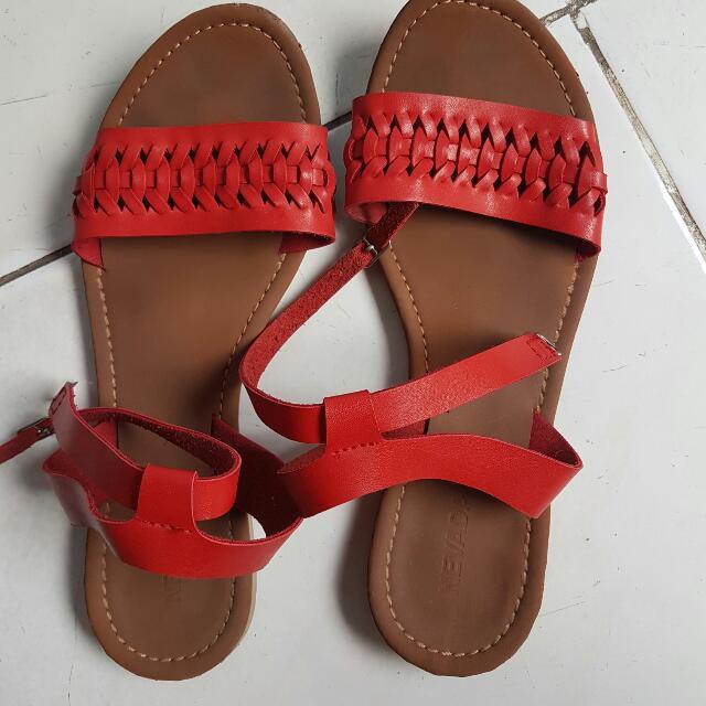 SALEEEEE Sepatu Sandal Nevada