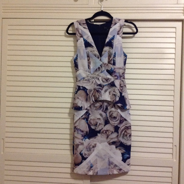 NEW Sheike floral dress size 6/8