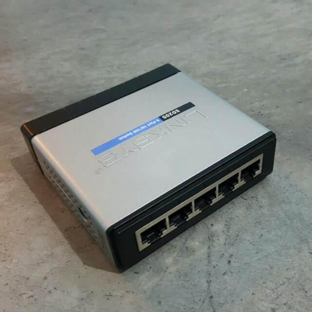 Used Linksys 5-Port 10/100 Switch [SD205], Electronics