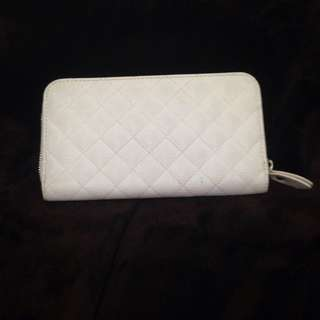 Japan Forever 21 White Long Zip Wallet (Chanel Look)