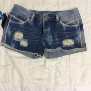 牛仔短褲 450