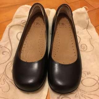 DK 黑色氣墊平底鞋