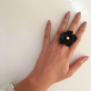 Mimco Marilyn Flower Ring