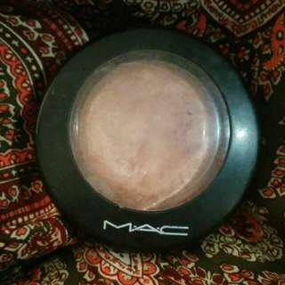 MAC Soft And Gentle Highliter