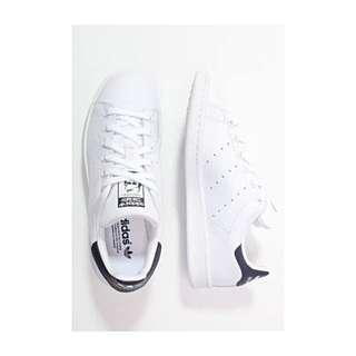 Adidas Stan Smith - White / Navy - US 4.5