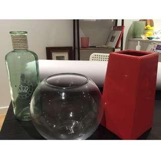 2 Vase And Fish Tank