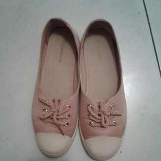 Preloved Sporty Stradivarius Shoes