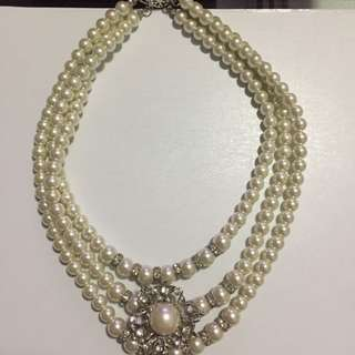 WWW Layered Pearl Necklace With Removable Brooch