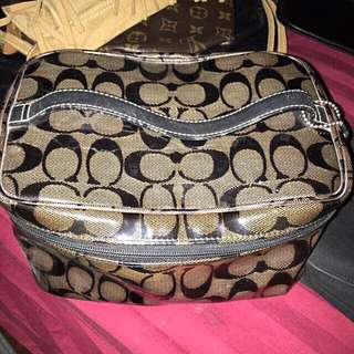 PRE-LOVED ORIGINAL COACH-vanity Case