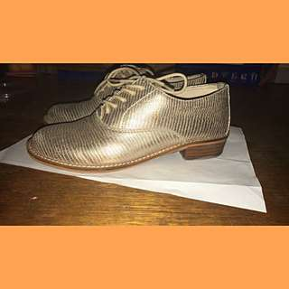 Gold Women's Size 36 (6) Brogues