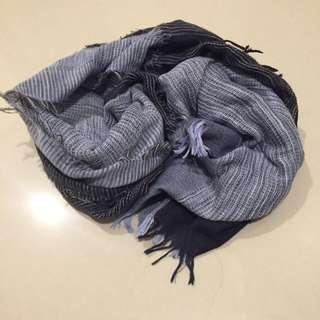 深藍拼接圍巾