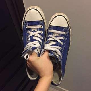 Converse 寶藍帆布鞋