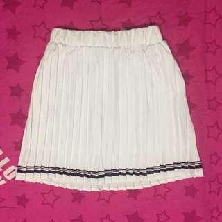 白色學生妹百褶短裙