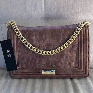 BCBG QUILTED SHOULDER HANDBAG