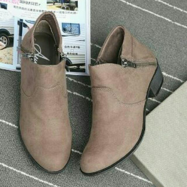 全新 大尺碼43號 英倫馬丁靴
