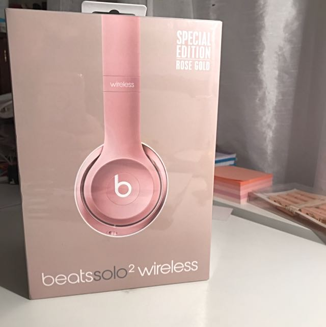 Beats Solo2 Wireless Headphones (rose gold)
