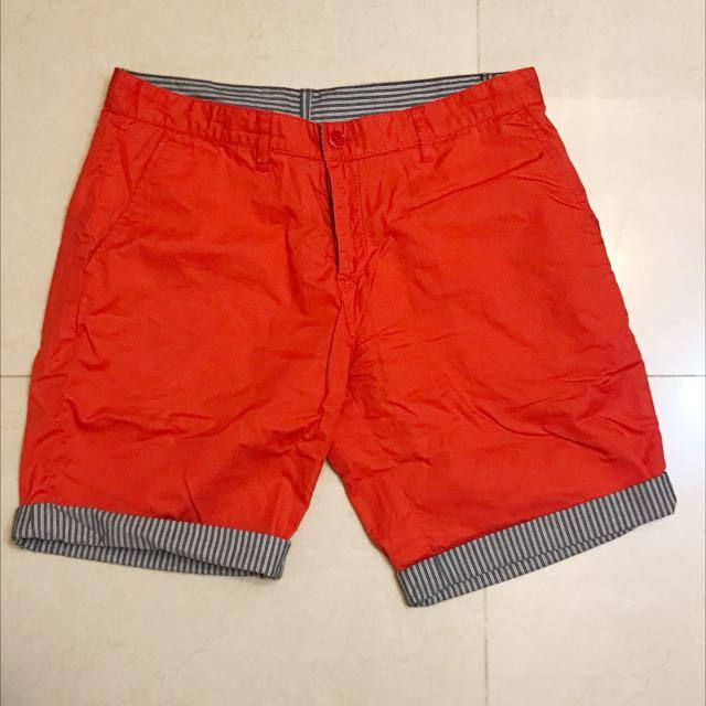 Benetton 橘紅色雙面短褲