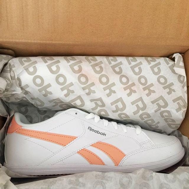 67b2fea1d3 BNIB Reebok Royal Transport S White / Desert Stone/ Grey Colourway Womens  Sneakers Shoes US 9