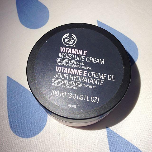 Body Shop Vitamin E Moisture Cream