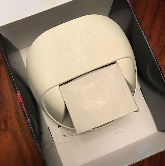 CND shellac Brisa LED Nail Drying System