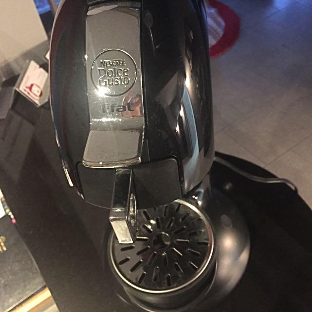 Coffee Machine - Nescafe - Dolce Gusto