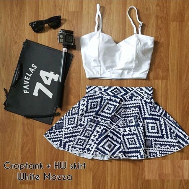 Croptank Putih Dan Skirt
