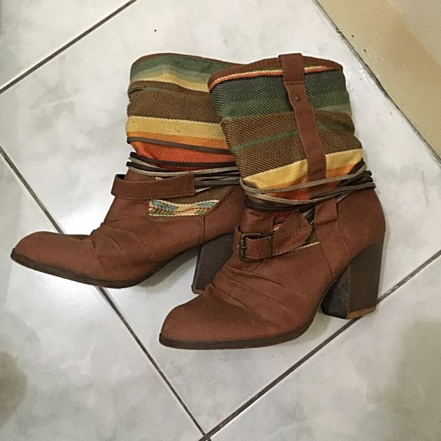 REPRICED!!! Mossimo Boots