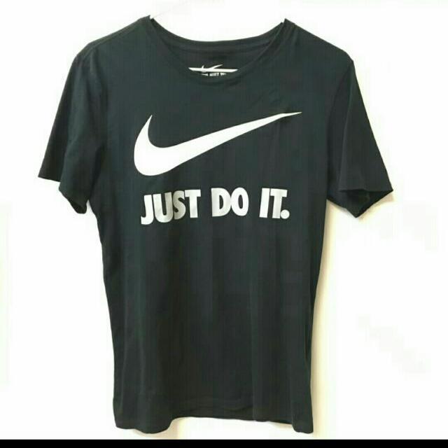 Nike 大logo