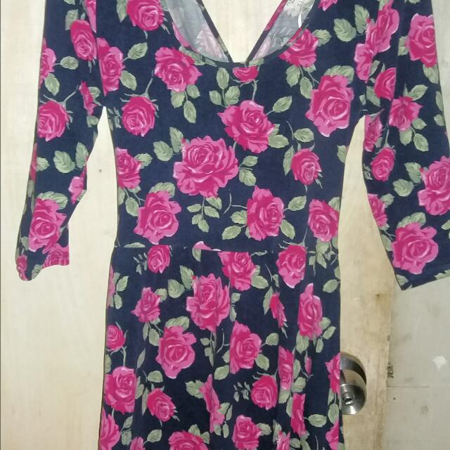 Pre-loved FOREVER21 FLORAL DRESS