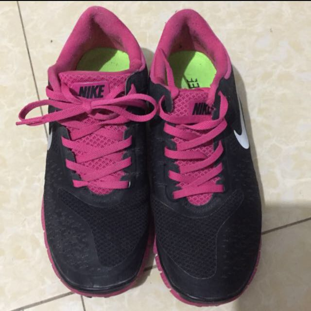 ‼️REPRICED‼️Authentic Nike Free
