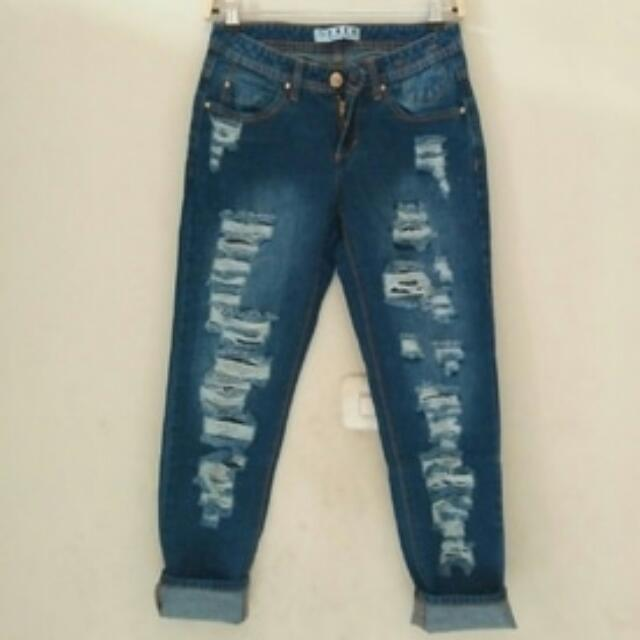 Ripped Boyfriend Jeans For Woman Note : Sobek-nya tembus, Olshop Fashion, Olshop Wanita on Carousell