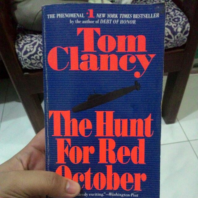 the hunt for red october by tom clancy on Carousell