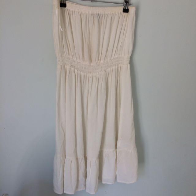White, Sleeveless Dress