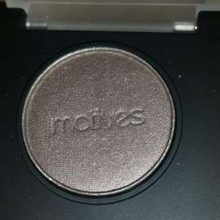 Motives Cosmetics Pressed Eyeshadow In Steel