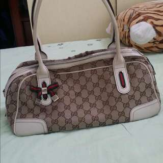 Authentic gucci ( HOLD )