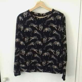 H&M Light Jumper Navy With Pale Pink Tigers Size Small