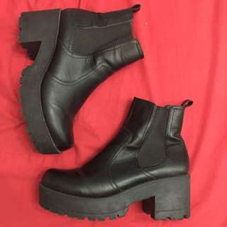 Betts Black Boots