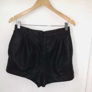Vintage Leather Highwaisted Shorts Size 12