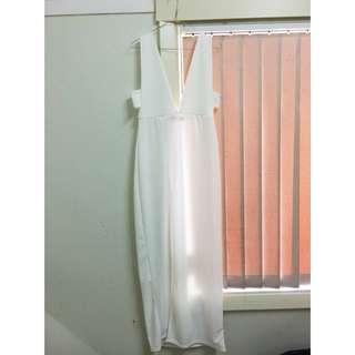 BOOHOO V-NECK DRESS