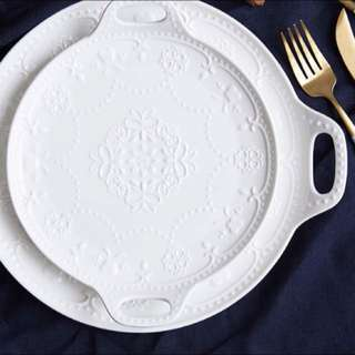 Round with lid floral cake plate