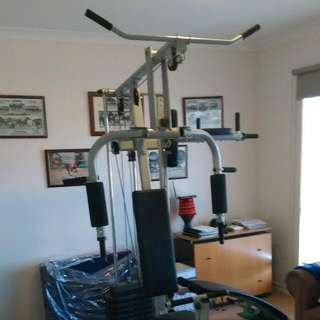 Home Gym with Sit-Up Bench