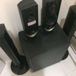 LG Speaker With Sub Woofer And Player