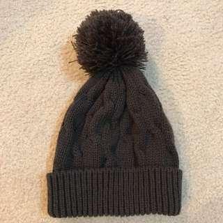 Knitted Vinny Brown