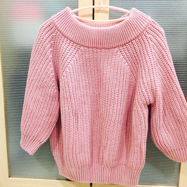 露肩厚針織粉色上衣