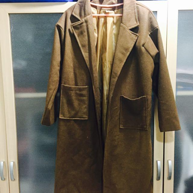 咖啡色長版大衣