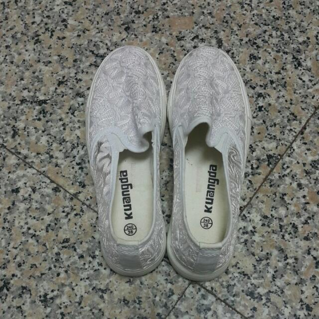 蕾絲白鞋💕