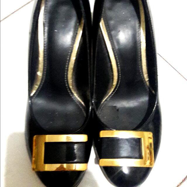 🎡Authentic Double.M Milano Black Heels