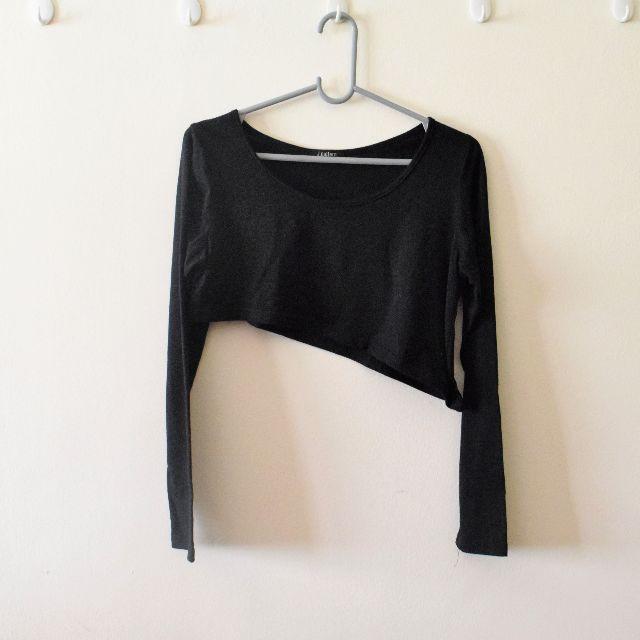 Black Long Sleeves Slanted Crop Top