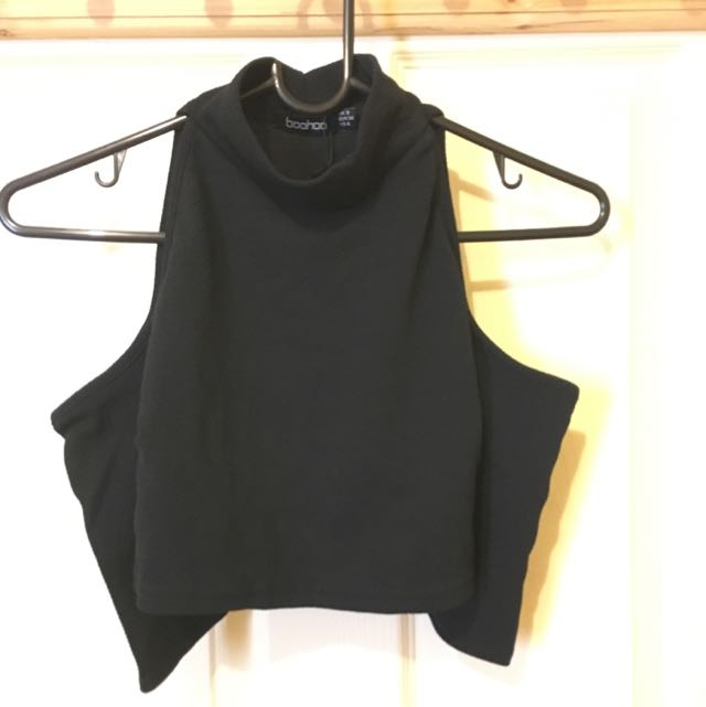 Boohoo Crop Top Cold Shoulder